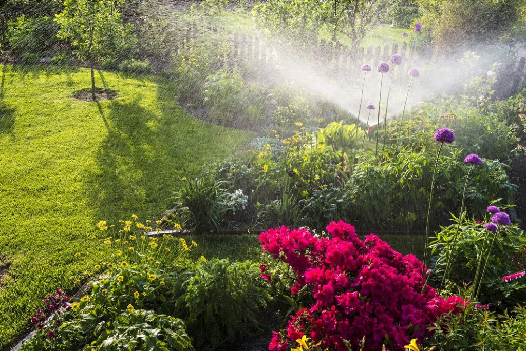 Irrigation system for flowerbeds